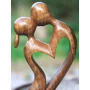 Végtelen szerelem szobor
