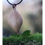 Szellő – fa ékszerek