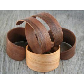 Fa karkötő